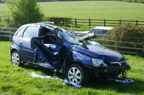 Consejos para evitar que dar un parte del coche al seguro salga caro