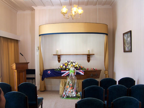 Cómo organizar un funeral económico