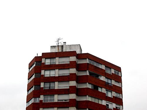 Propietarios de pisos vacíos: ¿conviene dar de baja los suministros?